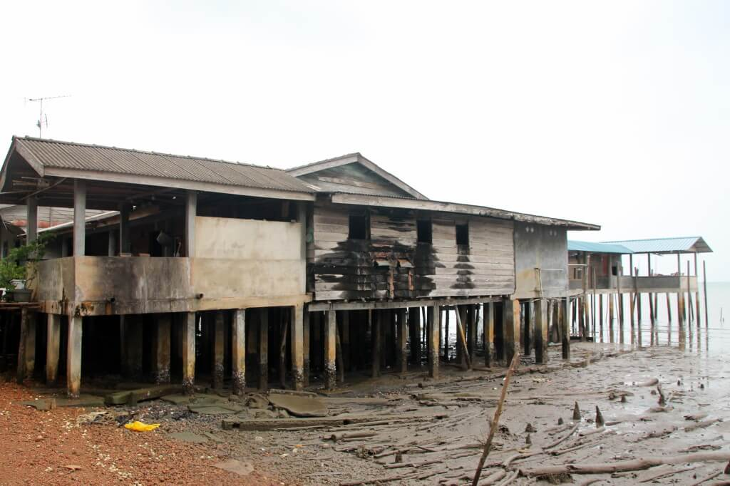 The restaurant at low tide